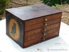 Antiguo mueble de mercería , 5 cajones, 180 €