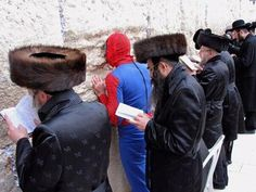 LOL: What u say??? Spiderman at the Western Wall??! #Frifotos by @Roopunzel
