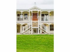 House by Garth Chapman - Traditional Queenslanders