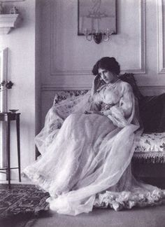 Lady Ottoline Morrell as photographed by Cavendish Morton, 1905. (National Portrait Gallery)