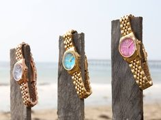 Michael Kors watches are THE watch to own and these summer editions with coloured faces are sure to be big hit. My fave is the aqua blue dialled version Jewelry Accessories, Fashion Accessories, Pink Watch, Handbag Stores, Pamela, Mk Bags, Stylish Watches, Fantasy Jewelry, Skagen
