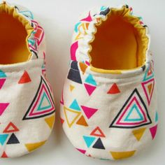 Reversible Baby Booties in White Geometric and by Molipop on Etsy