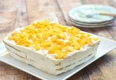 A delicious ice box cake made with layers of sweetened whipped cream graham crackers and juicy Manila mangoes. Mango Graham Float, Mango Graham Cake, Mango Float, Mango Desserts, Mango Pudding, Cake Recipes, Dessert Recipes, Mango Ice Cream, Dessert Boxes