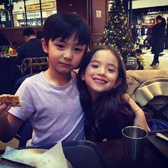 Zhang Chenle and Areum Cute Asian Babies, Korean Babies, Asian Kids, Cute Babies, Baby Kids, Baby Boy, Ulzzang Kids, Ulzzang Couple, Korean Best Friends