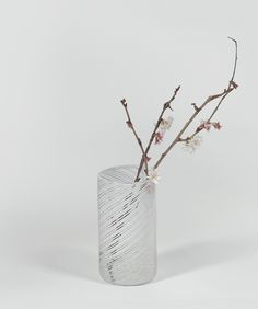 A simple yet beautiful glass vase for displaying flowers or branches that is exclusive to Makers&Brothers. International Craft, Gift Maker, Craft Gifts, Glass Vase, Display, Texture, Simple, Flowers, Irish
