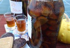 Lichior de smochine   Click! Pofta Buna! Sausage, Turkey, Food, Figs, Vanilla, Nail, Valentines, Canning, Turkey Country