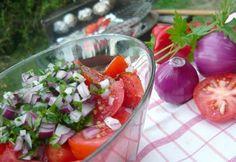 Június - a szót is imádjuk! A nyár épphogy csak elkezdődött, csomó élmény vár ránk, messze az ősz, és jönnek a színes, szagos, csodás alapanyagok, zöldségek és gyümölcsök!
