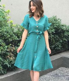 Trendy Dresses, Women's Fashion Dresses, Dress Outfits, Casual Dresses, Frock For Teens, Frock For Women, Frocks And Gowns, Simple Gowns, Sunday Dress