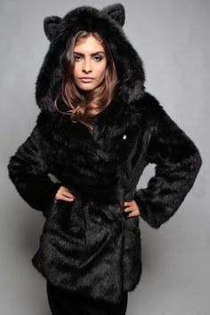eec4e70f5f4 Fashionable Faux Fur Hooded Bear Coat For Women Winter Coat