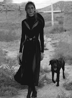 MAP - News – Will Davidson & Christine Centenera Shoot Fashion at Georgia O'Keeffe's Home for Vogue Australia Vogue Australia, Gothic Fashion, Look Fashion, Looks Style, My Style, Christine Centenera, Southern Gothic, Moda Boho, Grunge Goth