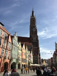 Landshut Wedding in Bavaria is a medieval spectacle Bavaria, San Francisco Ferry, Medieval, Building, Travel, Mariage, Bayern, Buildings, Mid Century