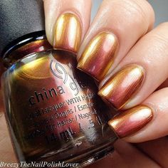 """""""@breezythenailpolishlover gives us major 'Cabin Fever' with this pink to copper duo chrome!"""""""