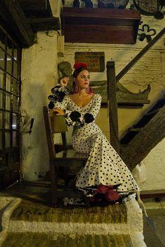 Flamenca de pura raza · Por Cayetano Gómez vía ¡Ay Maricrúz!