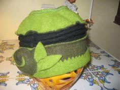 Chapeau -  - Vous créez avec de la feutrine ou de la laine bouillie