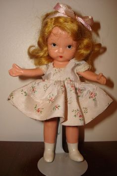 "Nancy Ann Strybk doll ""Margie Ann in party dress"", MS/MB"