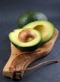 Avocado Oil contains essential nutrients such as protein, vitamins A, D, E and B6, magnesium, copper, iron, amino acids and folic acids which are essential for hair growth and nourishment. These ingredients combined work to nourish, moisturize and strengthen hair and eliminate dry scalp. Avocado Oil is also a rich source of lecithin and contains a natural sunscreen to protect hair from harmful UV rays. Avocado Oil is excellent for deep conditioning, strengthening and enhancing shine.