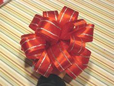 How to make Christmas bows out of ribbon, seriously I made a perfect bow! Christmas Present Bow, Christmas Tree Bows, Christmas Crafts, Christmas Ideas, Christmas Decorations, Fall Crafts, Xmas, Diy Bow, Diy Ribbon
