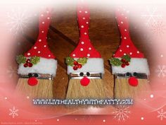 PAINT BRUSH SANTA ORNAMENTS You could even add your child's name in glitter on the brush too! Supplies: 2 inch paint brushes Christmas Red craft paint White craft paint 7mm Black pom pom for the eyes 12 mm Red pom pom for the nose Fleece The holly and berries are 3D dimensional stickers. Instructions: … … Continue reading →