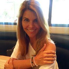 "Lori Loughlin en Instagram: ""Find your balance @livelokai. Stay humble ~ stay hopeful!"""