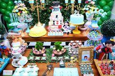Alice In Wonderland themed birthday party via Kara's Party Ideas | KarasPartyIdeas.com (11)