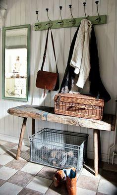 Vintage House: TITTAR FRAM...
