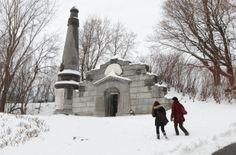 L'histoire de Montréal à travers les tombes | Métro