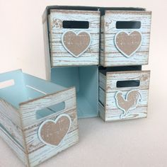 Hello crafters. Look what I made using the Wood Words stamp set, Wood Crate framelits dies and Hardwood stamp. I really enjoyed making thi...