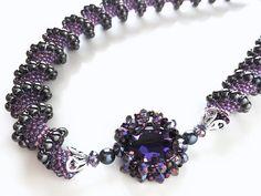 パープルのボリュームスパイラルネックレス  #カザリ咲色 #ビーズ #ビーズフラワー #ビジュー #ハンドメイド #コサージュ #手作り #手芸 #アクセサリー #コスチュームジュエリー #bead #beads #bijou #beading #beadedflower #beadswork #beadwork #beadsph #bijoux #beaded #biser #necklace #handmade