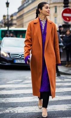 Paris Fashion Week FW 2016 Street Style: Caroline Issa Wearing Peggy 9 earring by Becca x Peter Jensen Street Style Chic, Street Style Outfits, Street Style 2016, Street Look, Colourful Outfits, Colorful Fashion, Fashion Week, Fashion Outfits, Style Fashion