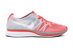Nike Flyknit Trainer  Bright Crimson/White