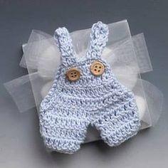 Si tienes un baby shower en puerta y deseas hacer los adornos o recuerditos tu misma y no tienes idea de qué hacer, no te preocupes, te vamo...