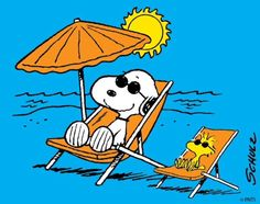 Snoopy and Woodstock chilling Peanuts Snoopy, Woodstock Snoopy, Snoopy Love, Charlie Brown And Snoopy, Snoopy Cartoon, Peanuts Cartoon, Snoopy Images, Snoopy Pictures, Peanuts Characters