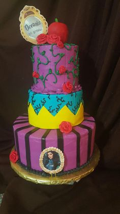 My daughter's Disney Descendants cake!