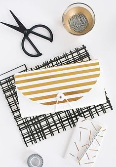 Getting organized is as easy as adding gold tape to a boring file folder or notebook. 24 Gorgeous DIYs That Go For The Gold Do It Yourself Inspiration, Diy Inspiration, Cool Stuff, Tape Crafts, Diy And Crafts, Craft Tutorials, Craft Projects, Planners, Gold Tape