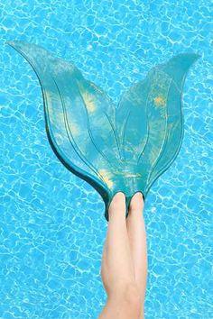cool mermaid flipper http://rstyle.me/n/vmvydr9te