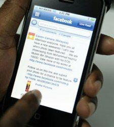 Facebook trabaja con antiguos ingenieros de Apple en su propio 'smartphone'