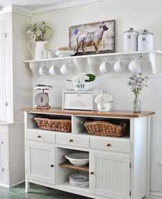 Charming Shabby Chic Kitchens That Youll Never Want To Leave ähnliche tolle Projekte und Ideen wie im Bild vorgestellt findest du auch in unserem Magazin . Wir freuen uns auf deinen Besuch. Liebe Grüße