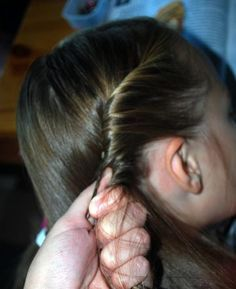 Hairdo How-to: Dorothy Gale Hairstyle (Wizard of Oz)