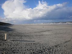 Waar wolken, zand en zee....