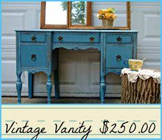 painted vintage vanity - HD1600×1393