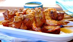 Surf and Turf on a Stick Tim Noakes Diet, Low Carb Recipes, Cooking Recipes, Spice Combinations, Surf And Turf, Cheap Meals, Chicken Wings, Seafood, Spices