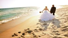 3 things you must know when choosing your gown for a beach #wedding #romantic #plussizebride
