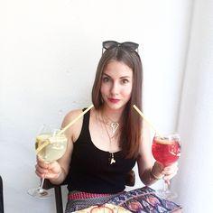 Summer friday:) Szpritz time. Jak tam wasz piatek? Zapraszam do wloskiej restauracji Al Capone na pyszne drinki:) Weekend czas start! #drinktime #aperolszpritz #szpritz #alcapone #restaurantswarsaw #polishgirl #italiangirl #altradeacouture #italianfoodbloggers #summertime #lizatastesmakuje #smile Al Capone, Couture, Instagram Posts, Haute Couture