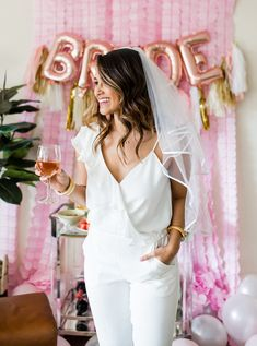 Wedding Wednesday: 5 Essentials You Need For The Perfect Bachelorette Party - Haute Off The Rack Bachelorette Veil, Bachelorette Party Themes, Bachelorette Party Shirts, White Bachelorette Party Dress, Bachelorette Weekend, Bachelorette Itinerary, Bride To Be Balloons, Party Favors, Party Gifts