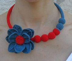 collana uncinetto girocollo fiore perline primavera