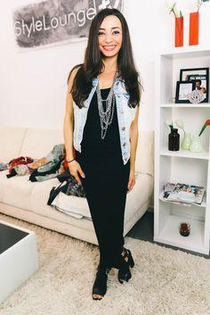 Jeans-Weste mit Maxi Kleid kombiniert. Worauf es bei dem Look ankommt kannst du hier sehen: https://www.youtube.com/watch?v=-O-7lp5UZz8&list=PLtGb6Y2pYima5lNJsEx_tLraQdxgxWPJV