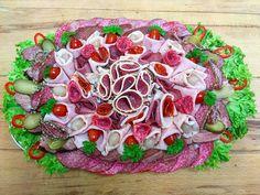 Obložená mísa pouze maso- uzeninová, uzená krkovička, uzený jazyk, šunka, debrecínka, hovězí kýta, anglická slanina, 4 druhy salámů, okurky, kapie, cibulky, rajčátka, salát od www.cukrovi-kuncovi.cz Dishes, Vegetables, Food, Tablewares, Essen, Vegetable Recipes, Meals, Yemek, Dish