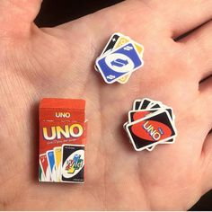 Uno for ants? Miniature UNO 😋 Picture by: Miniature Crafts, Miniature Food, Miniature Dolls, Miniature Tutorials, Miniature Houses, Doll Crafts, Cute Crafts, Crafts For Kids, Diy Dollhouse