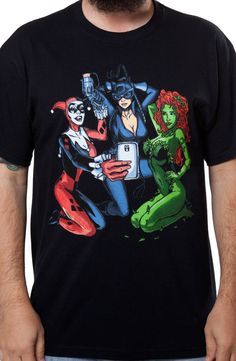 Villainess Selfie T-Shirt: Super Heroes DC Comics, Batman T-shirt