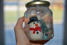DIY: Sådan laver du din egen snekugle Diy Guide, Hygge, Snow Globes, Christian, About Me Blog, Barn, Perler, Home Decor, Kindergarten